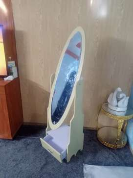 Very beautiful Mirror with 1 drawer
