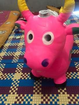 Mainan kuda karet