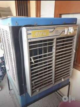 Heavy duty cooler