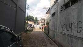 Di jual tanah, 5 rumah dan bengkel besar pusat kota