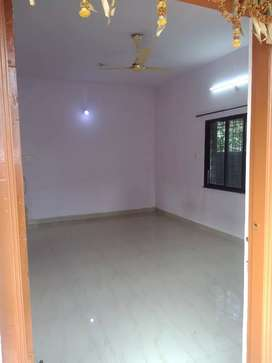 1BHK Semifurnished flat,large hall area.Hospital within 300 meter