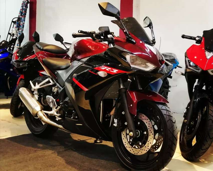Yamaha R3 367cc double cylinder water cool full loud sound heavy bike 0