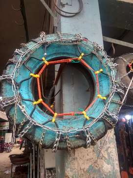 Tyre chain (all sizes available) snow chain