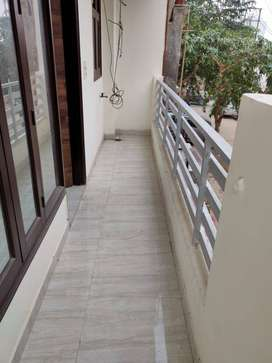 112 mtr 3bhk with lift and parking indirapuram