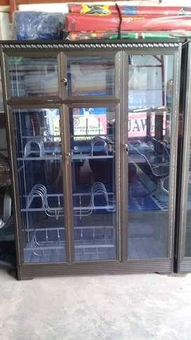 Ready lemari piring pintu 3 stenles coklat.