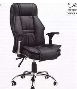 50% OFF EXECUTIVE CHAIR pinpack FOR OFFICE USE