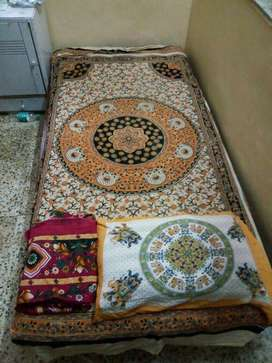 Available pg boy twin and three sharing direct entrence khar west near