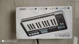 Samson Graphite 25 Midi keyboard