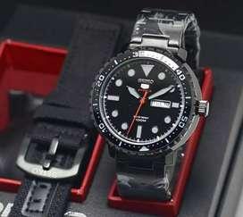 jam tangan seiko full black color.fullset