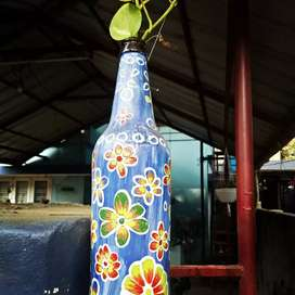 Attractive Glass bottle painting