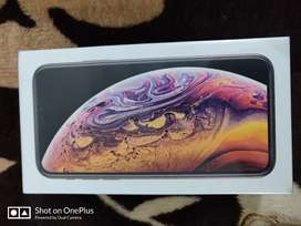 iPhone xs sealed pack all color avlaible grey @51500 silver @51500