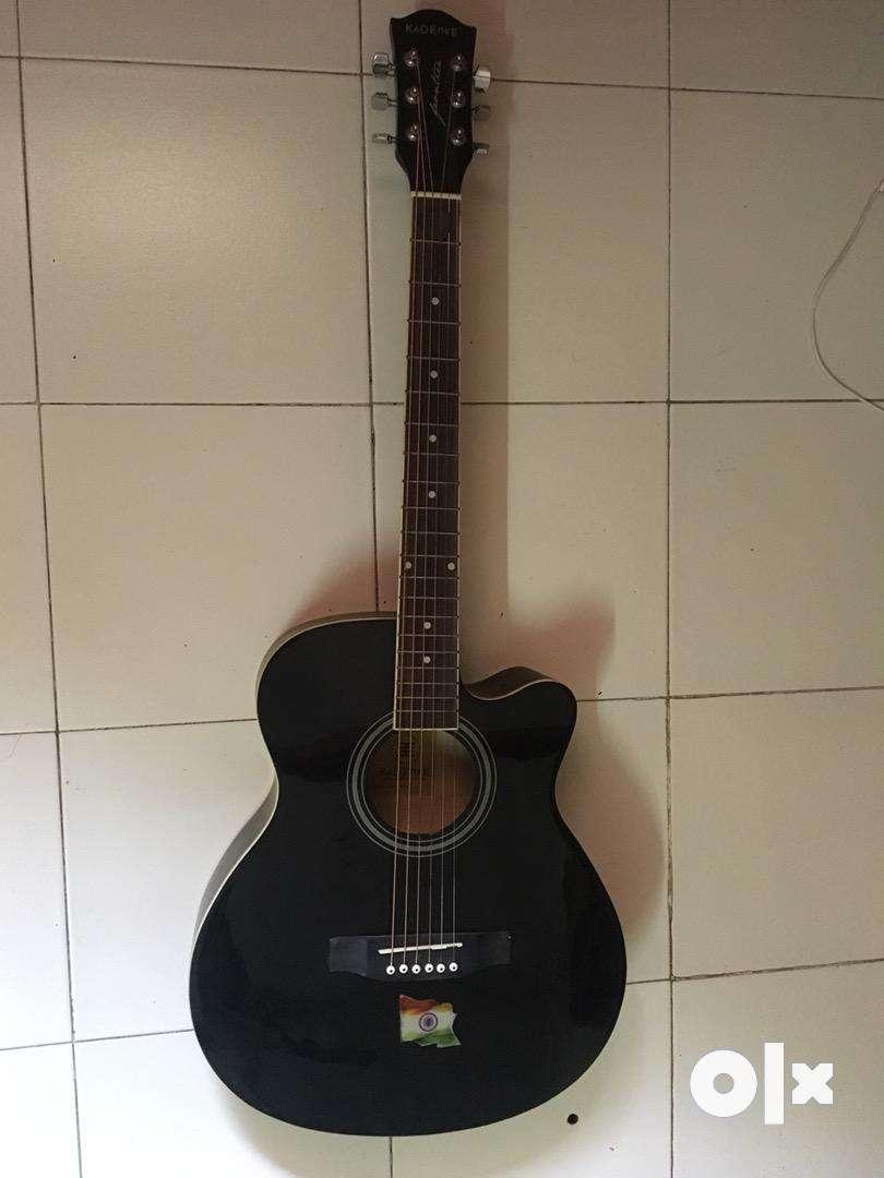 Guitar Black Kredence 0