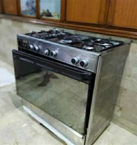 TECNO GAS OVEN WITH 5 BURNERS. STEEL BODY