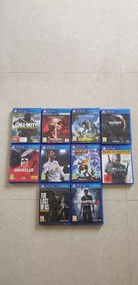 PS4 SLIM 500GB WITH 10 + 1 TITLES