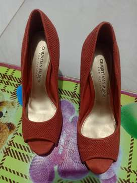 Sepatu high heels mrek Christian Sirjano(payless)