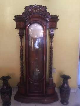 Dijual jam antik masih bagus dan cantik mulus terawat