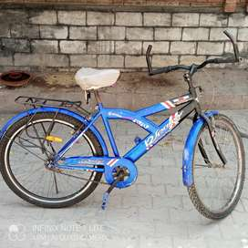 Hand made cycle .Made in Pakistan. Frame is of steal and alominium