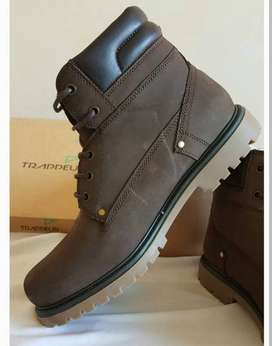 Branded Trappeur Boots At Throwaway Price!