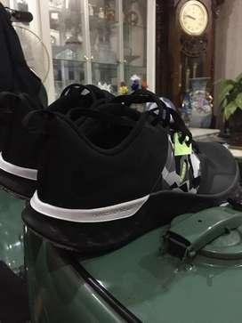 Sepatu nike renew