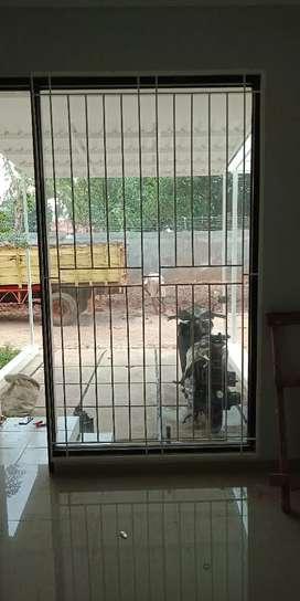 Teralis jendela berfungsi untuk ke amanan dari anti maling