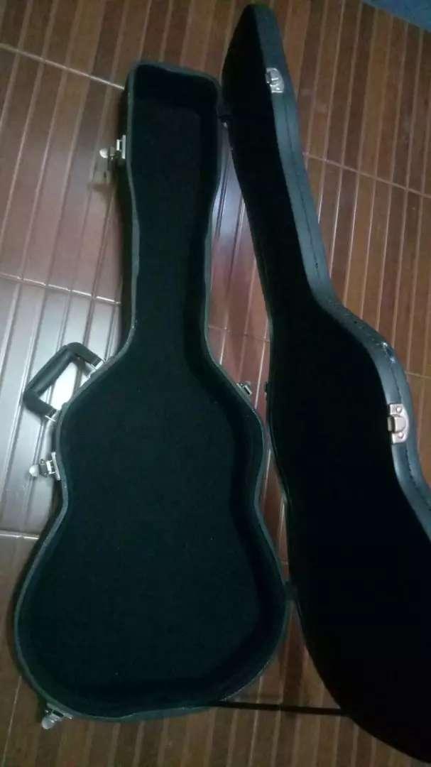 Hardcase Untuk Gitar Klasik 3/4 Nylon/Akustik 0