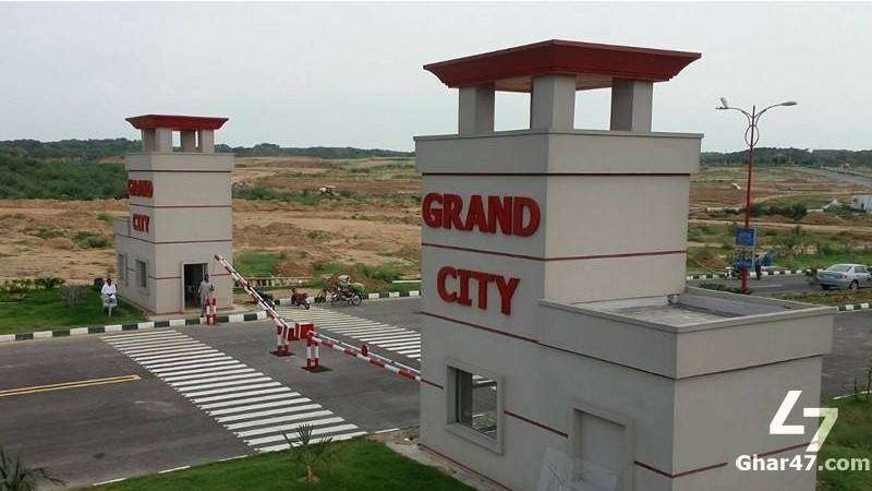 10 MARLA PLOT AVAILABLE ON SALE ON EASY INSTALLMENTS IN GRAND CITY KHA 0
