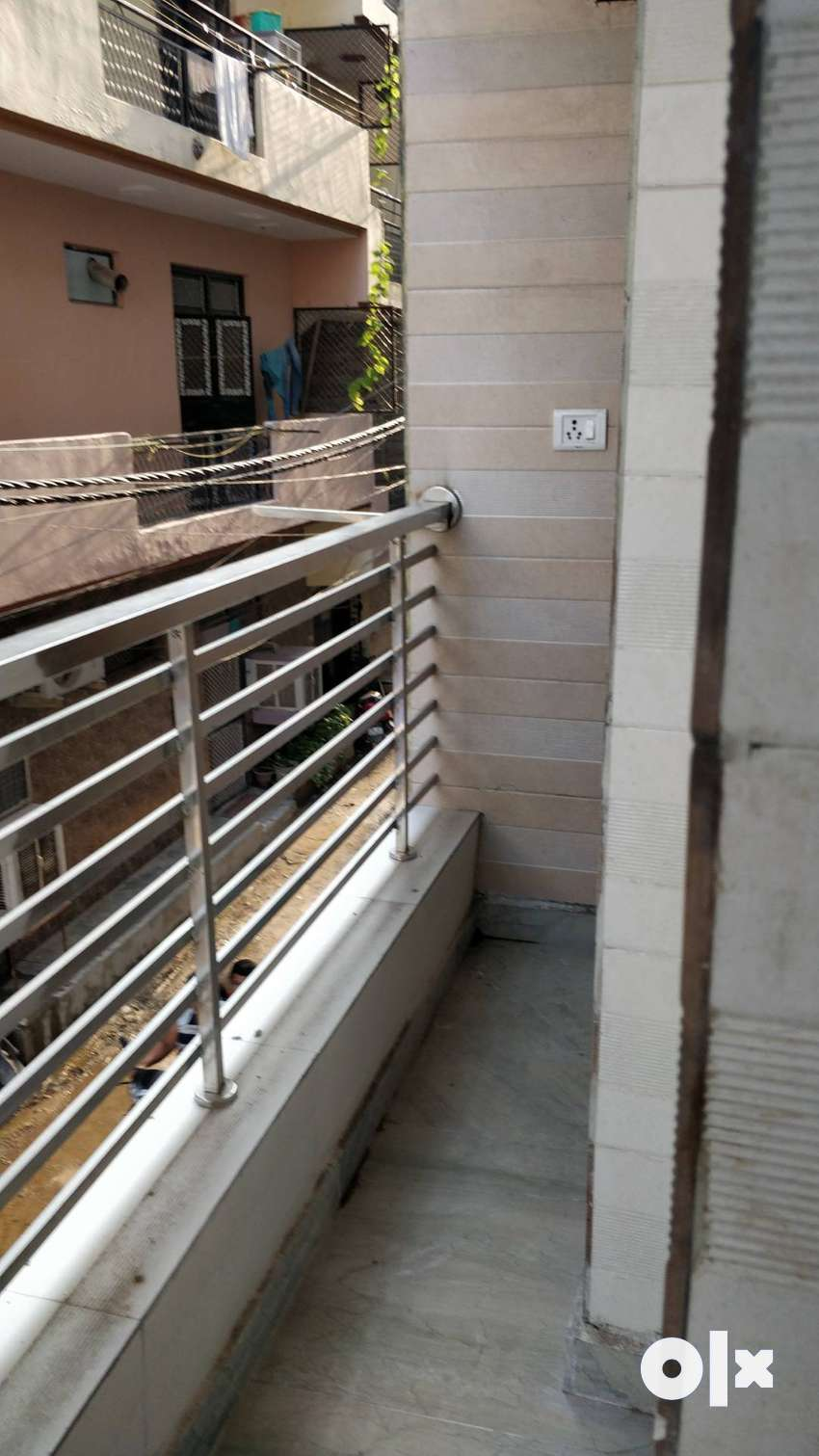 3bhk 100 meter from metro 49 lac 0