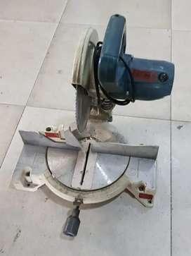 Mesin Potong Makita + Mata Pisau Makita,second