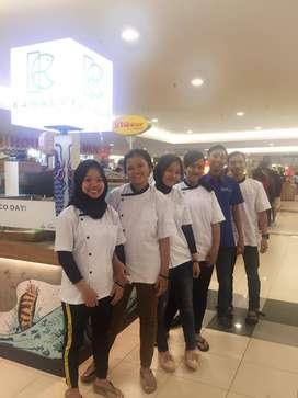 Dibutuhkan Karyawan/ti Cook/Waitress OpenStand di Tunjungan Plasa Mall