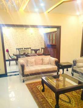 1kanal seprate corner lewish furnish house available for Rent