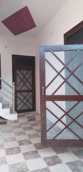 उत्तर प्रदेश की राजधानी लखनऊ में 3BHK row house बुक करें