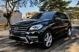 Mercedes Benz ML400 AMG Package 2015 Black on Beige (L) LIKE NEW!