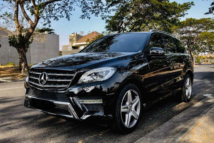 Mercedes Benz ML400 AMG Package 2015 Black on Beige (L) LIKE NEW! 0