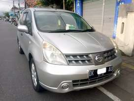 Nissan Livina mulus terawat aman nyaman.