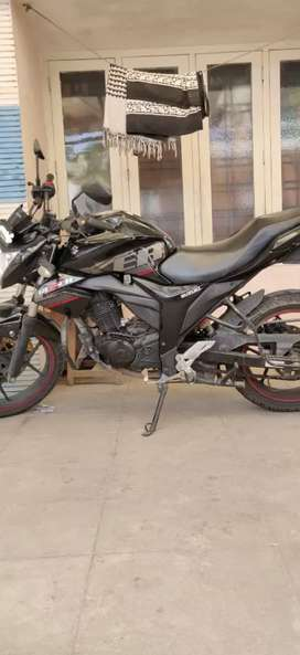 Well maintained and serviced Gixxer with ABS For Sale