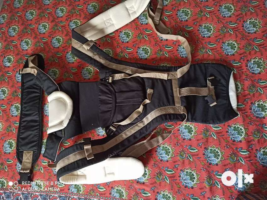 Baby carrier belt (never used) 0