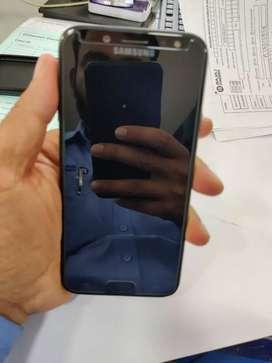 Samsung j7 pro,4/64.