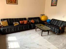 Sofa set 7 seater Solid wood with center table