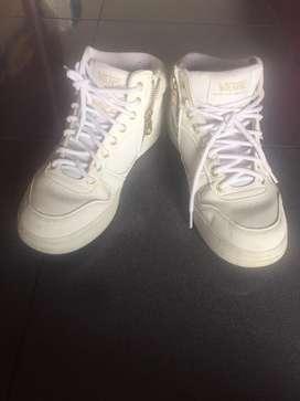 Jual sepatu VanZ original