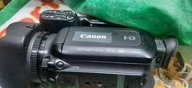 CANON XA11 VIDEO CAMERA WITH 2 BATTERY
