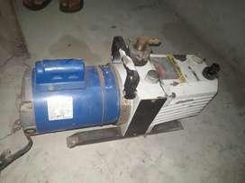 Heavy duty vacuum pump