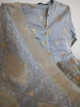 Grey silk suit with zari