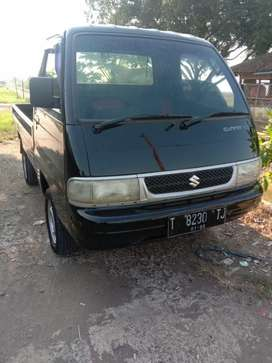 Di jual mobil Suzuki Futura th.2011 warna hitam plat. T sbg.