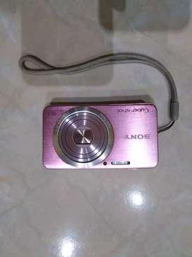Sony DSC W630 warna pink.