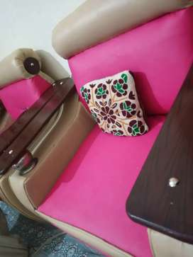 5 seater sofa in exelent condition