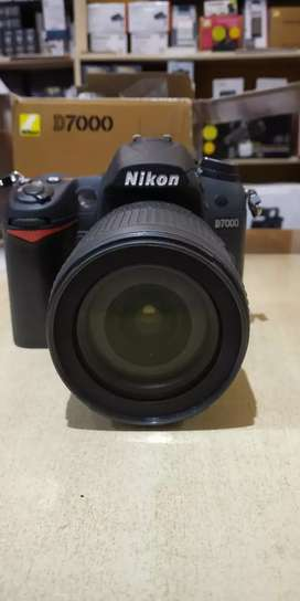 DSLR CAMERA With 55-250 lens for rent