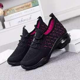 Sepatu sneaker import wanita