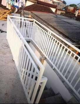 Pagar balkon minimalis dan railling tangga rangka besi dan staenliss