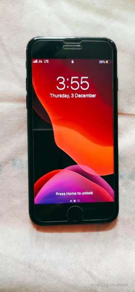 iPhone 7 32gb Rs 14000