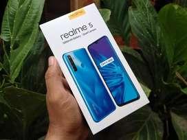 Realme 5 3/32gb Resmi Snapdragon665 Quad Kamera dan Batre 5000mah
